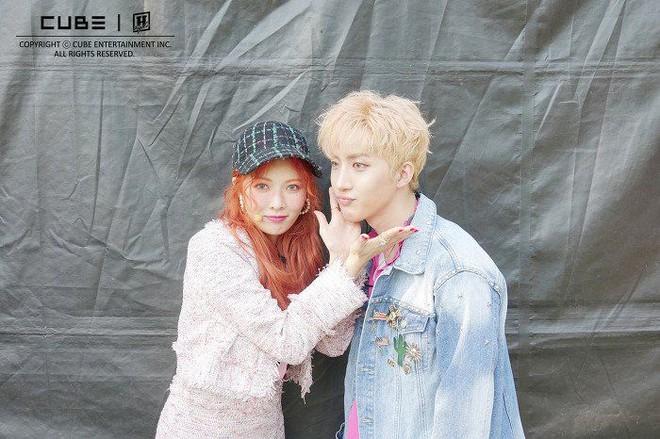 6 nữ idol hoa đã có chủ vẫn đầy bạn khác giới: Hyuna ôm cả bạn và bồ, Hyeri bị ném đá vì thân mật với Park Bo Gum bên bạn trai - Ảnh 13.