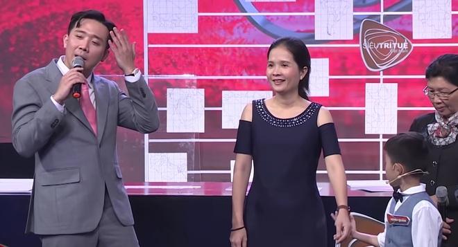 Trấn Thành vấp tranh cãi vì phát ngôn dạy hư trẻ trên Siêu Trí Tuệ Việt Nam - ảnh 1