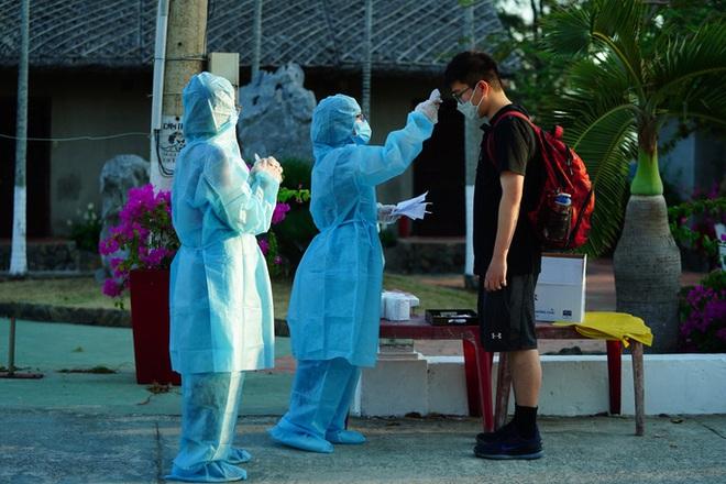 Chiều 4/12, Việt Nam không phát hiện ca mắc Covid-19 mới, thêm 11 bệnh nhân ra viện - Ảnh 1.