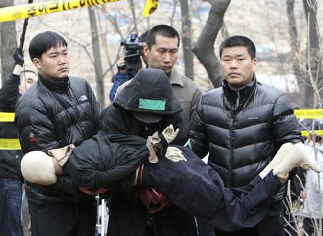 """Ác quỷ đội lốt thiên thần: Tên tử tội khiến cả Hàn Quốc phải ngỡ ngàng và kinh hãi, mang danh """"kẻ sát nhân tâm thần"""" - Ảnh 3."""