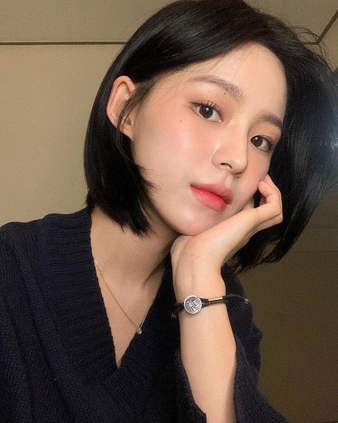 Nàng tóc ngắn muốn xinh, sang chảnh hơn trong năm mới đừng bỏ qua 4 chiêu thay đổi nhan sắc cực kỳ vi diệu này - Ảnh 4.