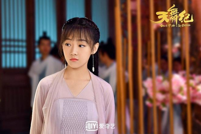 5 màn giả gái xinh xỉu ở màn ảnh châu Á: Chàng Nokdu đẹp ngất ngây cũng chưa xuất sắc bằng Ngô Kiến Huy! - Ảnh 9.