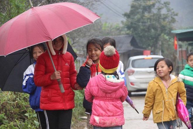 Xuất hiện băng giá, nhiều trường miền núi Nghệ An phải nghỉ học - Ảnh 2.