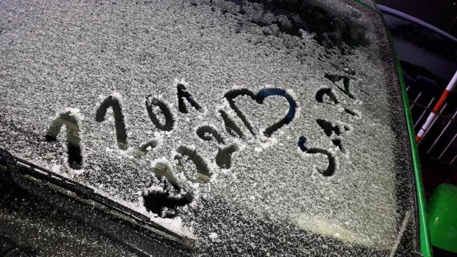 Du khách share loạt ảnh và clip Sa Pa có tuyết rơi, từ sáng sớm nay đã trắng trời - Ảnh 7.