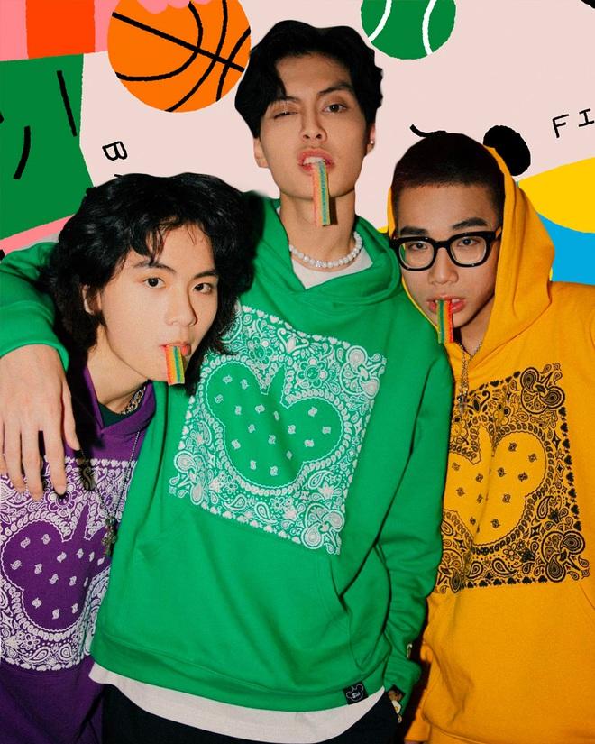 Uncover - Local Brand Việt hay chuyện những người trẻ làm thời trang, muốn phá bỏ định kiến về 2 tone màu đen - trắng kinh điển - Ảnh 1.