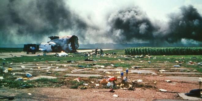 Cảm giác của hành khách trên một chuyến bay gặp nạn: Câu chuyện về vụ tai nạn hàng không kinh hoàng, nhưng cũng kỳ diệu nhất lịch sử nước Mỹ - ảnh 2