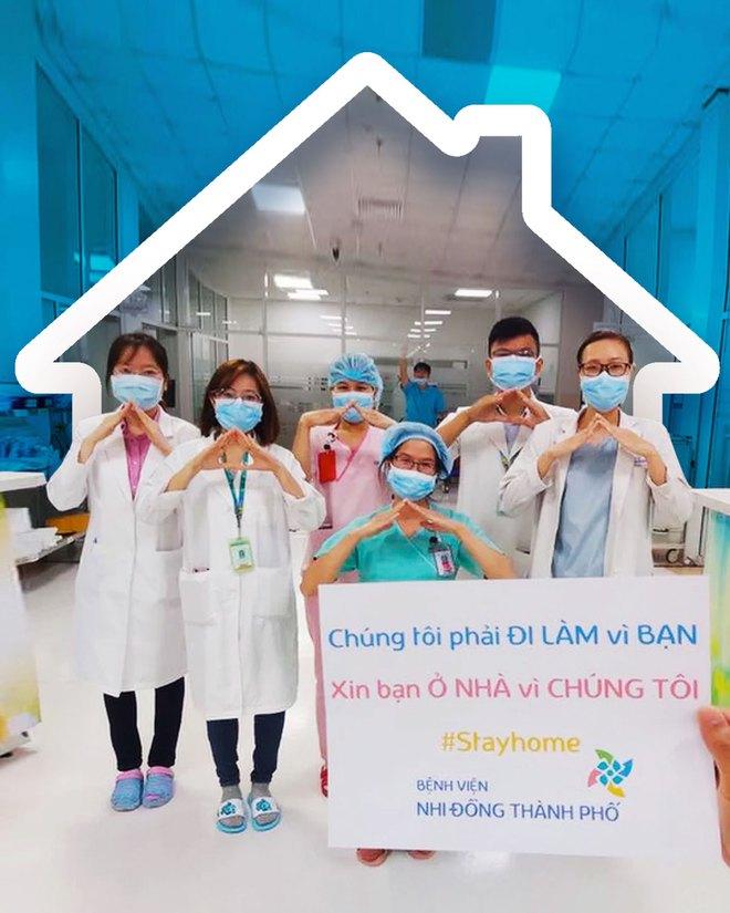 Chúng tôi làm vì bạn, bạn hãy ở nhà vì chúng tôi: Chiến dịch đẩy lùi Cô Vy được các y bác sĩ trên toàn thế giới hưởng ứng - Ảnh 1.