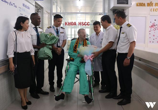 """Ký ức 116 ngày làm nên kỳ tích của nền y học Việt Nam, đưa bệnh nhân 91 nhiễm Covid-19 từ cõi chết trở về: """"Đó là điều đặc biệt nhất trong cuộc đời bác sĩ của chúng tôi"""" - Ảnh 7."""