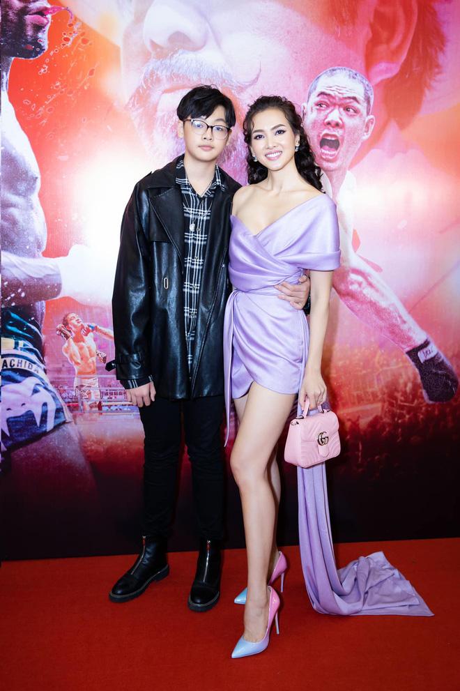 """Con trai nữ chính Tuyết Nhiệt Đới mới 14 tuổi đã cao 1m80, đứng cạnh mẹ """"sừng sững"""" như nam thần! - ảnh 6"""