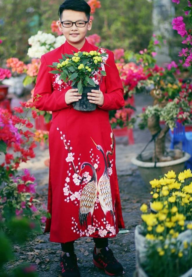 """Con trai nữ chính Tuyết Nhiệt Đới mới 14 tuổi đã cao 1m80, đứng cạnh mẹ """"sừng sững"""" như nam thần! - ảnh 4"""