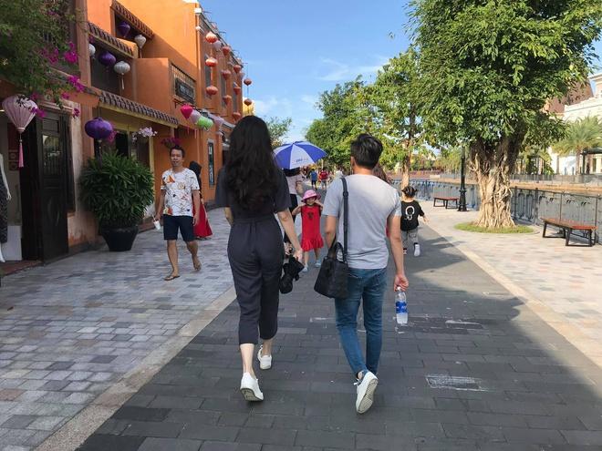 2 cặp đôi siêu hot của Vbiz: Cường Đô La - Thu Trang đơn giản nhưng vẫn xịn xò , Hà Hồ - Kim Lý lên đồ thế nào mà hút fan vậy? - ảnh 5