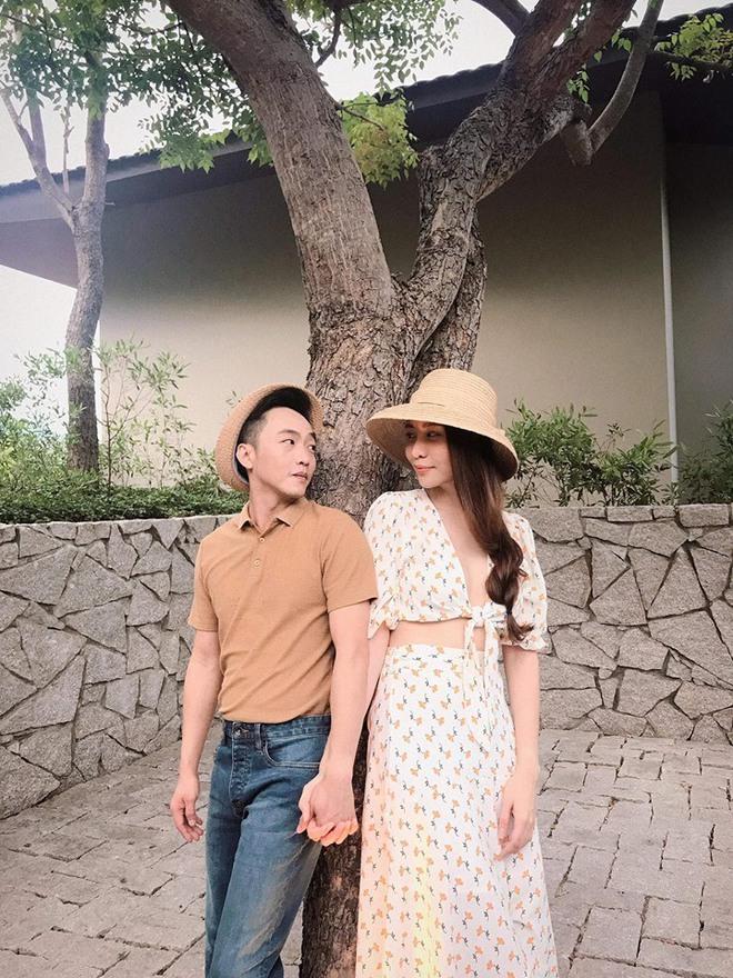 2 cặp đôi siêu hot của Vbiz: Cường Đô La - Thu Trang đơn giản nhưng vẫn xịn xò , Hà Hồ - Kim Lý lên đồ thế nào mà hút fan vậy? - ảnh 8
