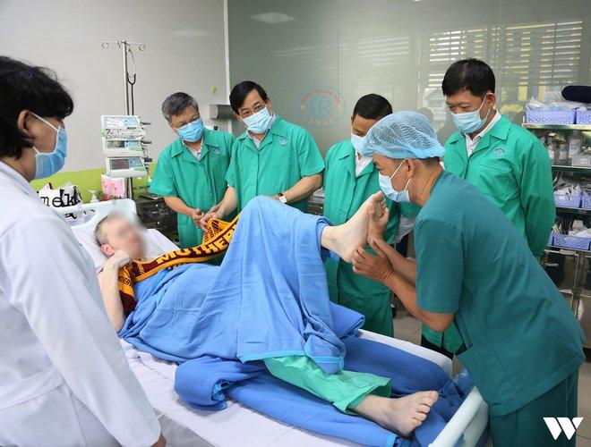 """Ký ức 116 ngày làm nên kỳ tích của nền y học Việt Nam, đưa bệnh nhân 91 nhiễm Covid-19 từ cõi chết trở về: """"Đó là điều đặc biệt nhất trong cuộc đời bác sĩ của chúng tôi"""" - Ảnh 4."""