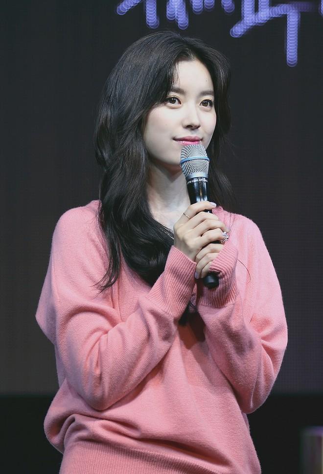 Hyoyeon (SNSD) đích thân lên tiếng sau bê bối Burning Sun: Phản bác siêu ngầu, nói rõ chuyện nữ diễn viên phê ma tuý sùi bọt mép - Ảnh 7.
