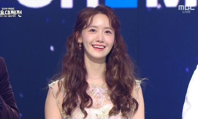 Khi sao nữ Hàn buộc tóc nửa đầu: Irene xinh như tiên tử, Taeyeon được khen giống hệt công chúa Elsa - ảnh 8