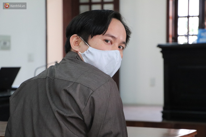 Nữ bị cáo lạnh lùng khai đốt nhựa nhỏ vào người, lấy dây xích sắt tra tấn thai phụ 18 tuổi đến sảy thai - ảnh 5