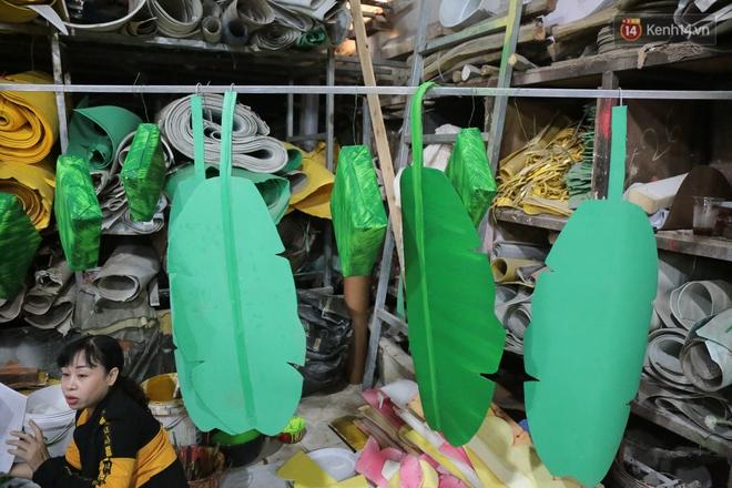 Ảnh: Cận cảnh đàn trâu đồng quê Việt Nam chuẩn bị ra đường hoa Nguyễn Huệ đón Tết Tân Sửu 2021 - ảnh 16