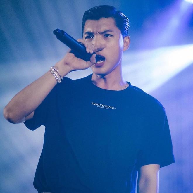 Nói gì thì nói, đồ local brand vẫn là chân ái trong lòng hội rapper Việt - Ảnh 1.
