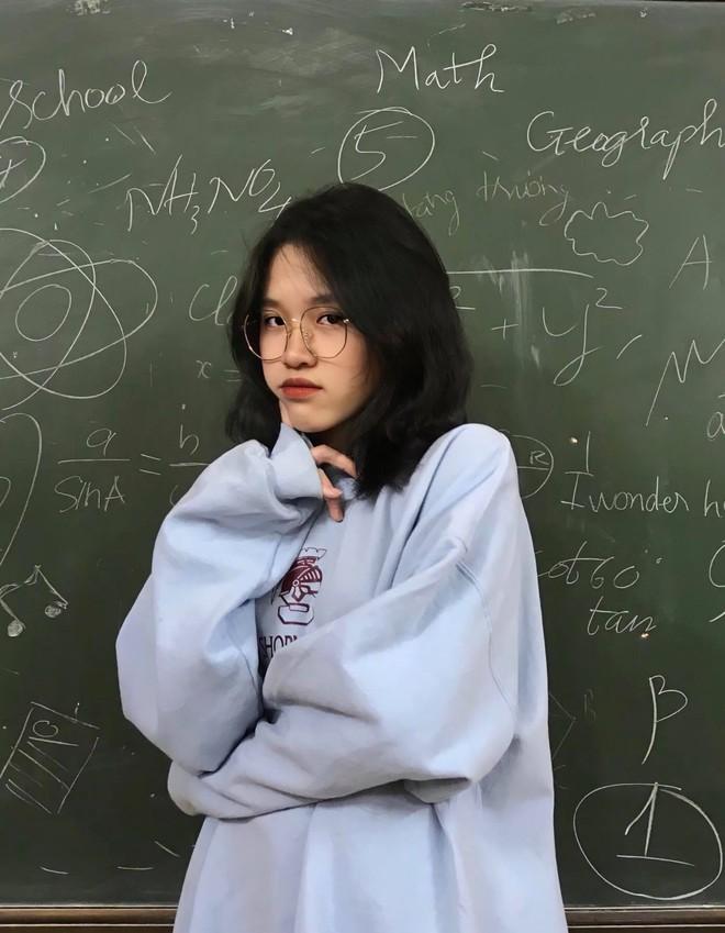 Nữ sinh khác một trời một vực khi đi học mùa hè và mùa đông: Ai bảo nhan sắc không thể đổi trắng thay đen! - ảnh 6