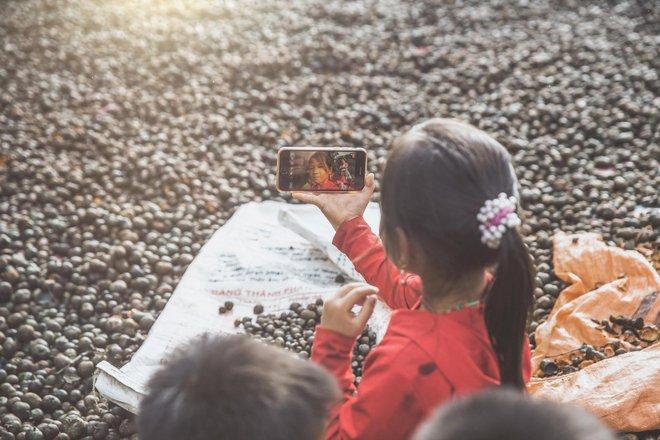 GenZ làm gì trên chiếc smartphone 4G của mình: Kết nối không giới hạn, giải trí hết ga và còn nhiều hơn thế nữa - ảnh 4
