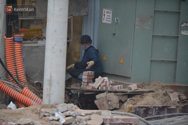 Công trình ngổn ngang tại con đường dài 1,3km treo gần 20 năm giữa Thủ đô khiến người dân khó chịu khi đi qua - Ảnh 7.