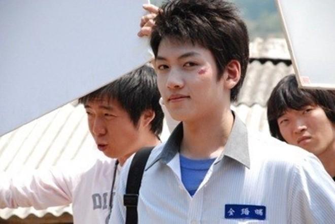 Ji Chang Wook thời đi học:  Bảng điểm đỉnh của chóp, bị mẹ ngăn cản thi diễn viên, lên đại học lại bê bết chỉ vì 1 lý do - ảnh 4