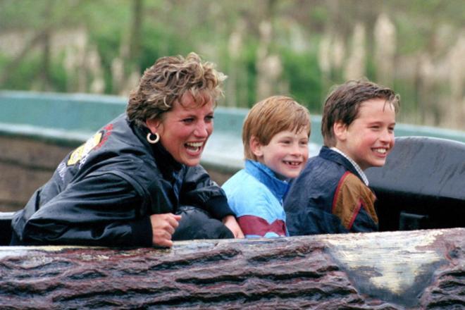 7 lý do khiến Diana dù là một Công nương nổi loạn nhưng lại là nhân vật được yêu mến nhất Hoàng gia Anh - ảnh 9