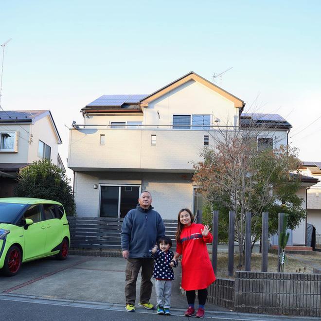 """Quỳnh Trần JP lần đầu công khai căn trọ xập xệ trước khi sang nhà mới bạc tỷ ở Nhật, tiết lộ món đồ dùng để """"dằn mặt"""" chồng - Ảnh 1."""