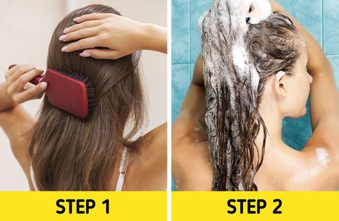 5 sai lầm khi chải tóc có thể làm hỏng mái tóc của bạn, sửa ngay nếu muốn tóc bóng mượt hơn - ảnh 5