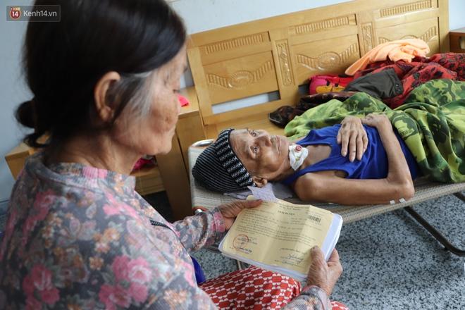 Xót cảnh cụ bà chăm chồng lở loét khắp người, muốn đưa đi viện nhưng không đủ chi phí: Ổng chỉ mong chết đi cho bà bớt khổ - Ảnh 13.