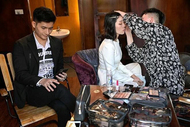 Soi hint hẹn hò của Lệ Quyên và Lâm Bảo Châu: Kè kè như hình với bóng từ đi du lịch đến dự sự kiện, còn rắc thính ngọt lịm trên MXH - ảnh 3