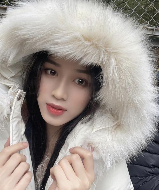 """Có ai như Hoa hậu Đỗ Thị Hà: Tự zoom cận visual để lộ khuyết điểm rõ ở vùng mắt nhưng vẫn xinh """"xỉu up xỉu down"""" - ảnh 5"""