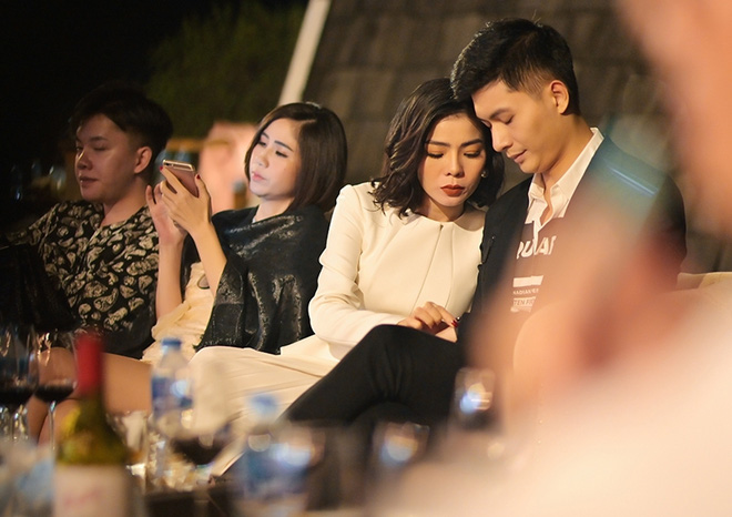 Soi hint hẹn hò của Lệ Quyên và Lâm Bảo Châu: Kè kè như hình với bóng từ đi du lịch đến dự sự kiện, còn rắc thính ngọt lịm trên MXH - ảnh 5