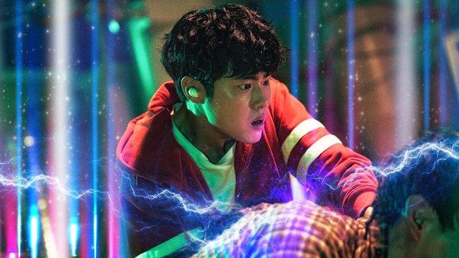 Biến căng của Nghệ Thuật Săn Quỷ Và Nấu Mì: Phim đang hot thì biên kịch bay màu, netizen lo hồi kết bung bét - ảnh 2