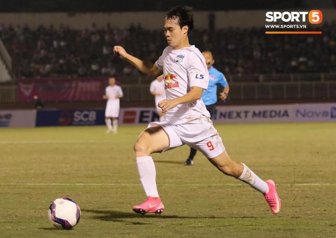 Công Phượng lốp bóng cực điệu nghệ, tân binh bị lãng quên của Sài Gòn FC xuất sắc cản phá ngay trước vạch vôi - ảnh 2