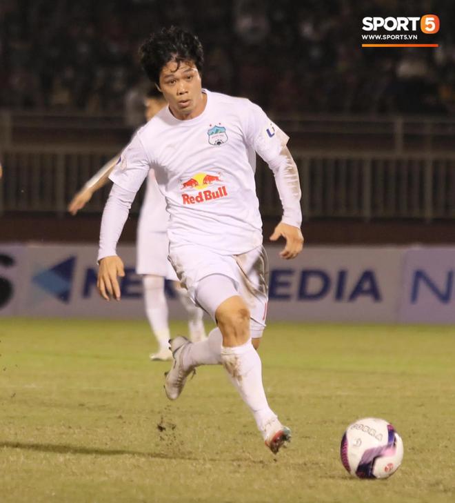 Công Phượng lốp bóng cực điệu nghệ, tân binh bị lãng quên của Sài Gòn FC xuất sắc cản phá ngay trước vạch vôi - ảnh 4