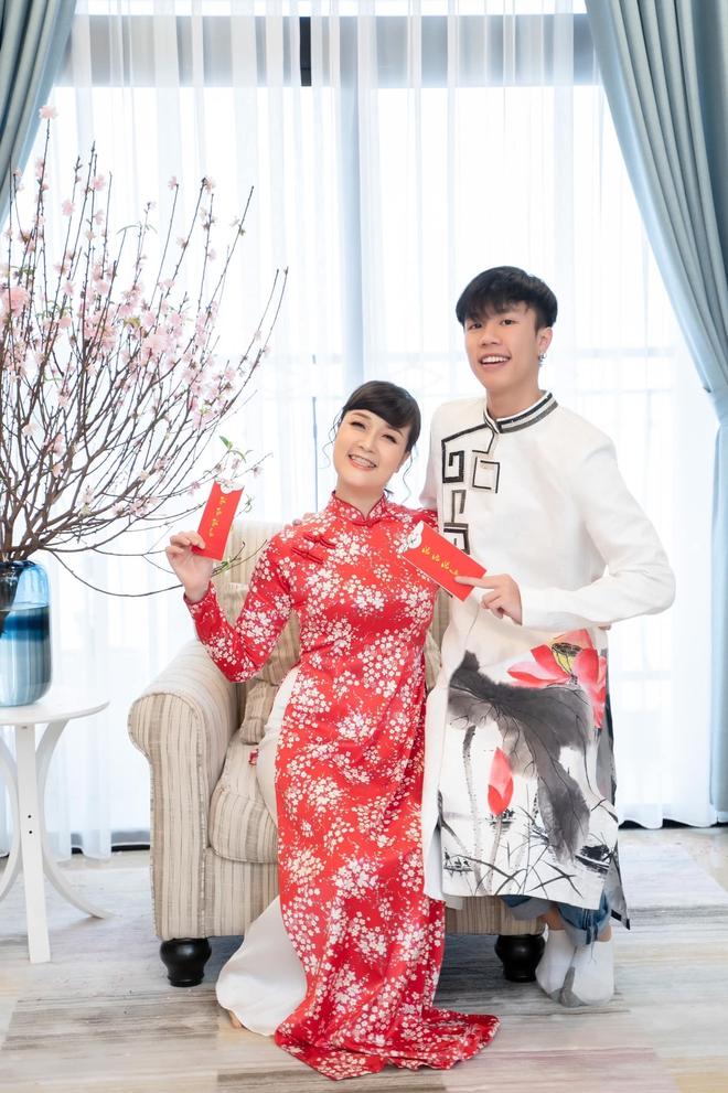 Con trai của Táo Vân Dung: 19 tuổi lột xác ngoại hình như hot boy, ăn mặc cực chất, đậu vào trường Sân khấu - ảnh 3