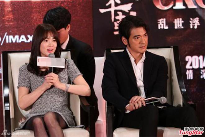 Không phải Song Joong Ki hay Hyun Bin, mỹ nam lai hai dòng máu này mới là người từng khiến Song Hye Kyo phải thốt lên 4 từ: Hình mẫu lý tưởng - ảnh 4