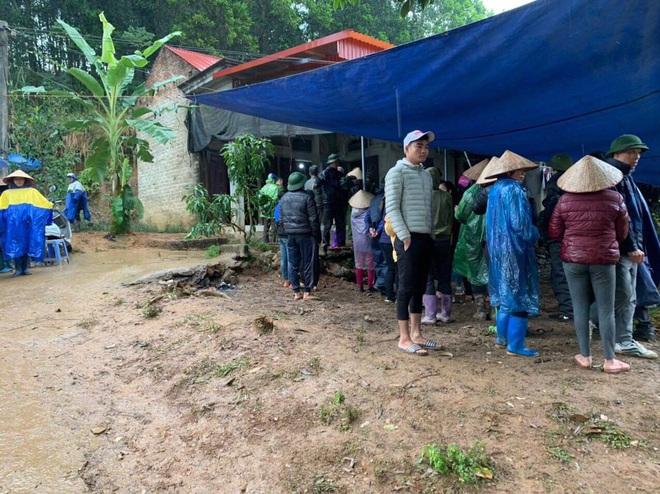 Hé lộ tình tiết đau lòng vụ 3 bố con tử vong trên giường ở Phú Thọ: Bà nội trước đây cũng tự tử - Ảnh 1.