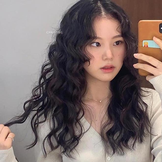 5 trend tóc dài đang hot nhất ở các tiệm Hàn Quốc lúc này, đặt ngay lịch cắt để trẻ ra 5 tuổi là ít - ảnh 7