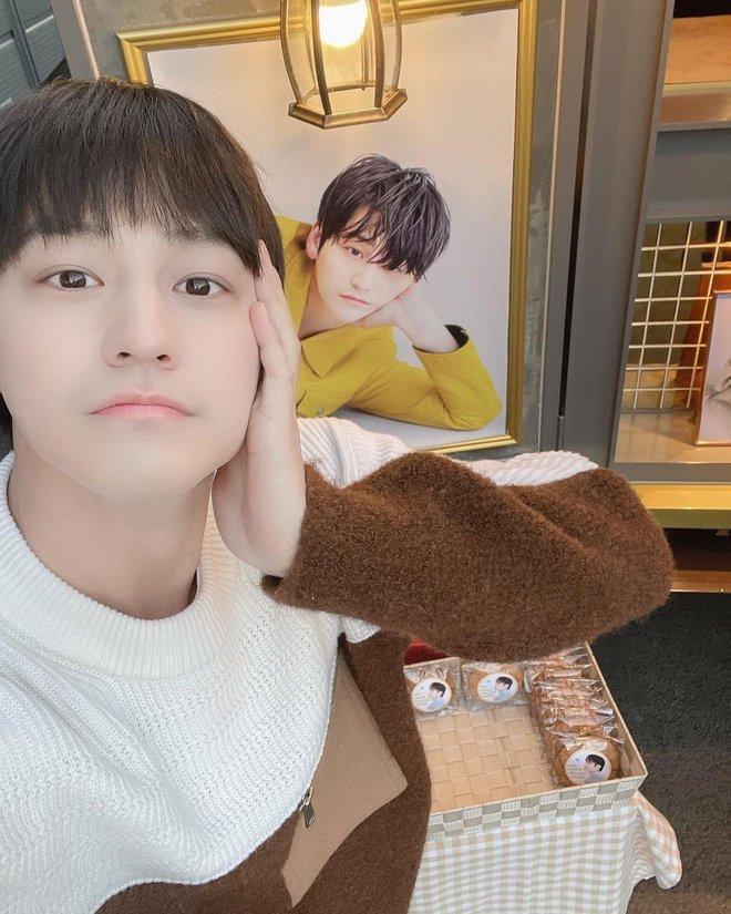 Kim Bum đã 32 tuổi còn đóng sinh viên năm nhất, netizen vẫn nức nở khen vì quá trẻ trung - ảnh 2
