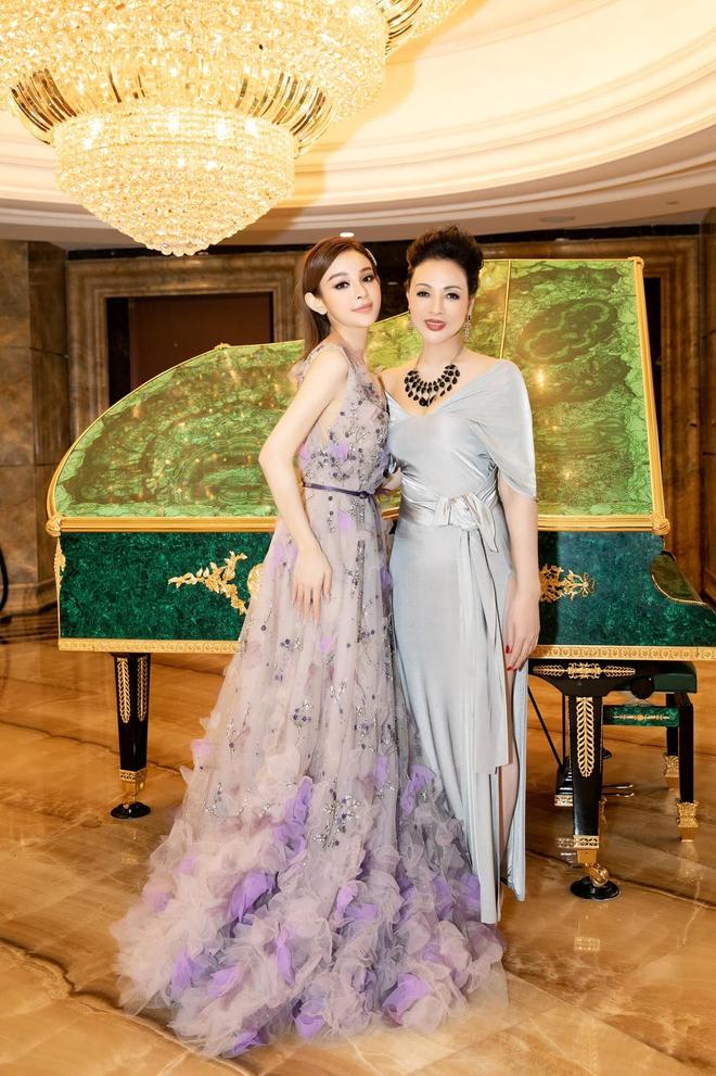 Vợ chồng Huyền Baby chung khung hình với Phillip Nguyễn - Linh Rin: Bức ảnh hội đủ tiền tài và danh vọng! - ảnh 3
