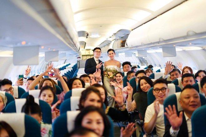 Hành trình đón dâu đặc biệt trên chuyến bay của Vietnam Airlines - ảnh 1