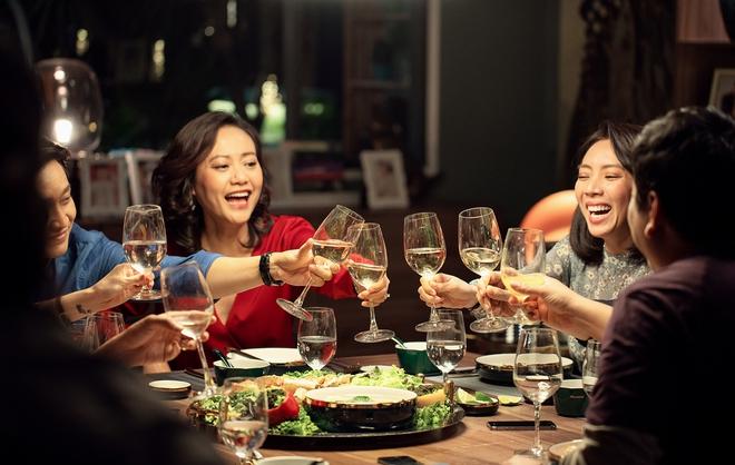 Tiệc Trăng Máu: Bàn tiệc diễn xuất xứng đáng trăm tỷ của điện ảnh Việt 2020 - Ảnh 6.