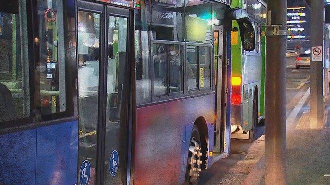 Diện áo phao dáng dài, cô gái Hàn Quốc tử vong thương tâm dưới bánh xe buýt vì vạt áo bị mắc kẹt - ảnh 2