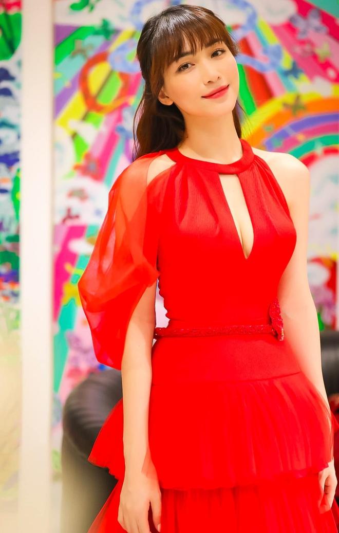 Công bố dàn line-up khủng đổ bộ siêu thảm đỏ WeChoice Awards 2020: Hơn 30 nàng hậu, 200 ca sĩ, diễn viên hot nhất Vbiz cùng góp mặt - ảnh 41