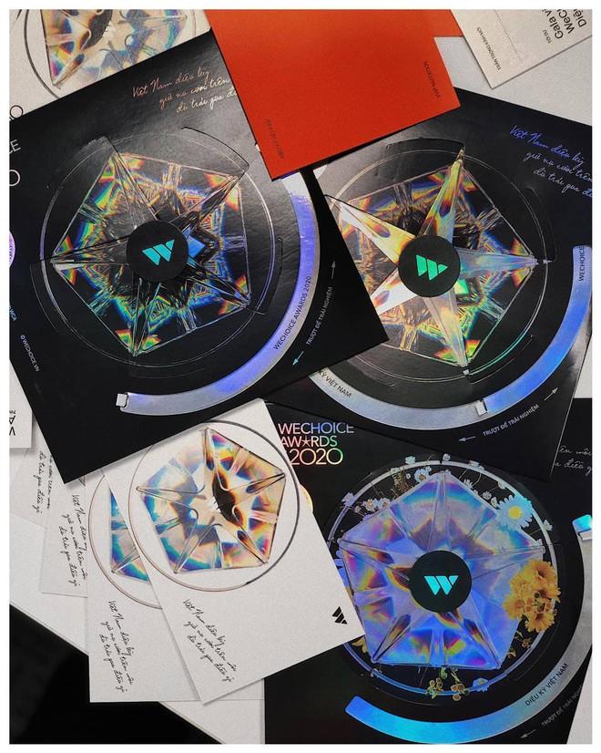 Tấm thiệp mời HOT nhất MXH hôm nay: Vừa đẹp, vừa sang, lấp lánh diệu kỳ đúng như chủ đề WeChoice Awards 2020! - ảnh 2