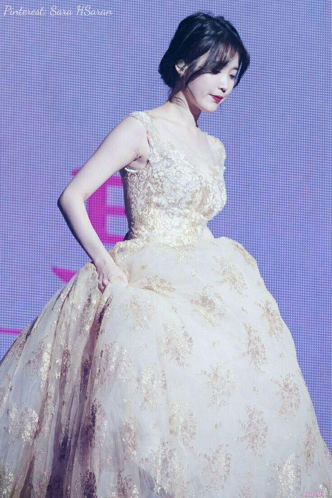 3 nữ idol là công chúa Disney của Kpop: IU - Yoona toát lên khí chất tiên tử hiếm có, center sinh năm 2004 bỗng lọt top - ảnh 11