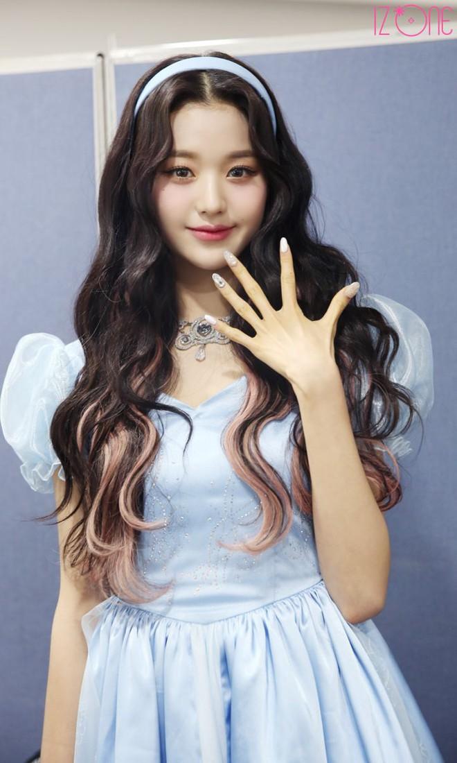 3 nữ idol là công chúa Disney của Kpop: IU - Yoona toát lên khí chất tiên tử hiếm có, center sinh năm 2004 bỗng lọt top - ảnh 14