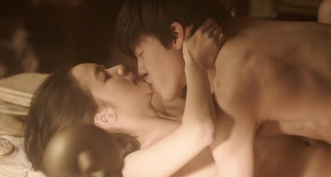 Ai mà ngờ 3 nàng thơ xứ Hàn này từng đóng cảnh nóng đỏ mặt: Sốc nhất là màn khoe thân trần trụi của Kim Go Eun - ảnh 6